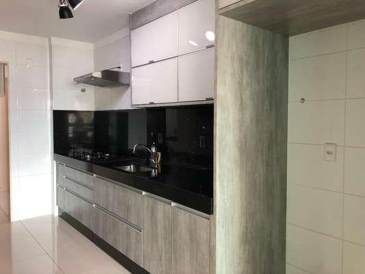 Apartamento com 4 Quartos à Venda, 176 m²