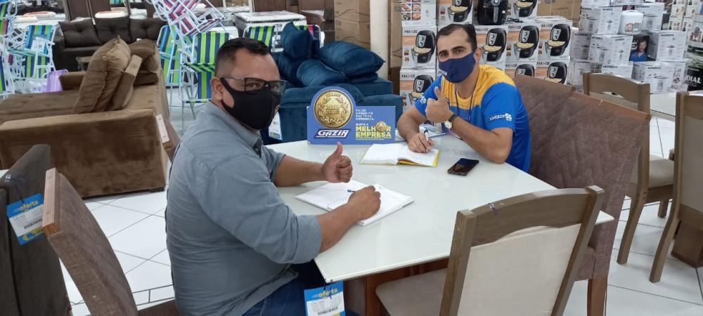 Foto: Em reunião na empresa Móveis Gazin, Vereador Ozeas Reis com o gerente Fabiano