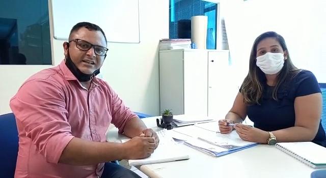 Foto: Vereador Ozeas Reis em reunião na prefeitura com a secretária interina de esporte Carla Gonçalves