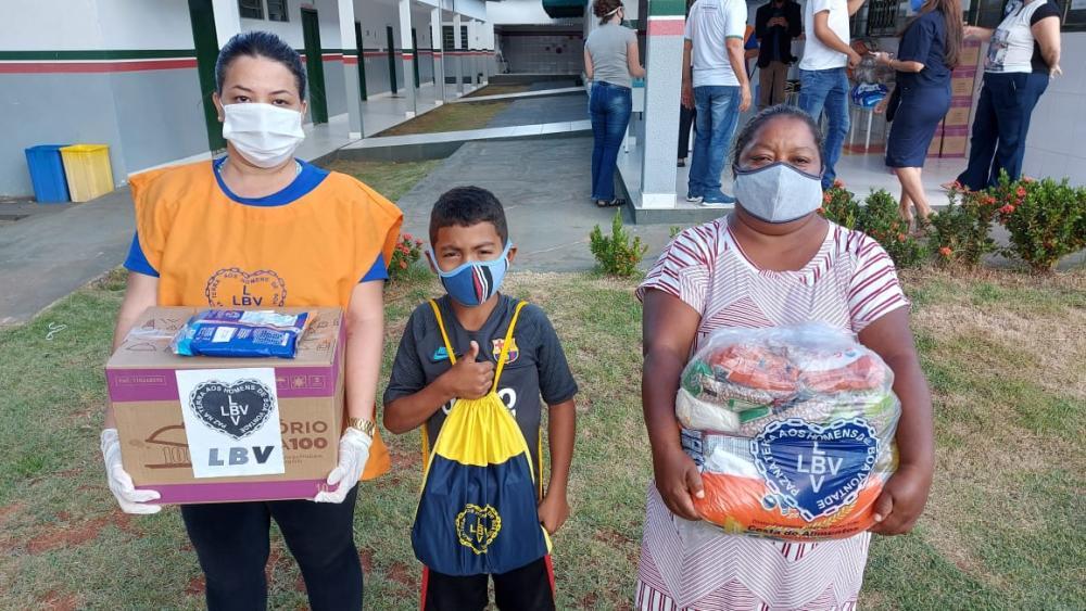 Ao todo, a instituição atendeu nesta ação famílias em vulnerabilidade social de doze bairros e distribuiu mais de uma tonelada de produtos.