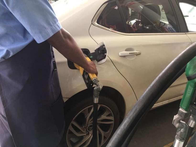 A gasolina e o gás de cozinha estão pesando muito no orçamento das famílias e puxando a inflação para cima (foto: Jair Amaral/EM/D.A Press )